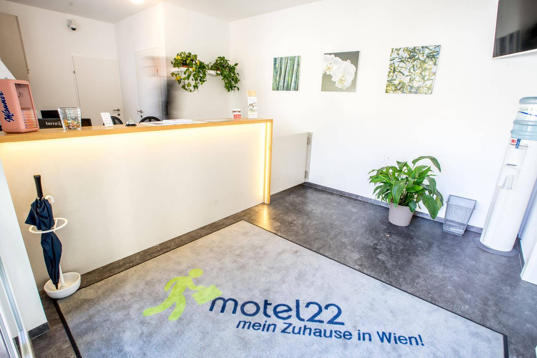 The Hotel – Motel22